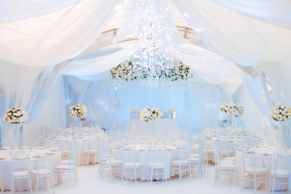Кетеринг на свадьбу Крым, оформление зала Крым, декорации на сбыдьбу Крым